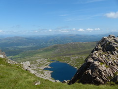 View On Llyn Y Gader (Marit Buelens) Tags: uk britain wales cymru caderidris lake mountain valley panorama landscape blue llynygader dolgellau rock ponypath