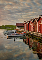 Karmøy, Norway (Vest der ute) Tags: xt20 norway rogaland karmøy sea water sky clouds marina boats boathouse reflections mirror summer evening fav25 fav200