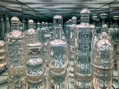 Endlessly Repeating Twentieth Century Modernism (jtgfoto) Tags: museumoffineartsboston boston massachusetts museumoffinearts art glass crafts mirrors reflections illusion josiahmcelheny endlesslyrepeatingtwentiethcenturymodernism sony sonyimages sonyalpha museum artwork iphone shotoniphone iphonexsmax