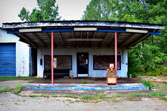 Ask For Directions (Todd Evans) Tags: nikon d5600 choccolocco alabama al store closed abandoned rural decay
