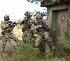 181210-A-RE773-0003 (US Special Operations Command Europe) Tags: soceur sof 10thsfg specialforces ukraine 2018 combinedresolve jointmultinationalreadinesscenter 10thspecialforcesgroupairborne ukrainespecialops hohenfels germany