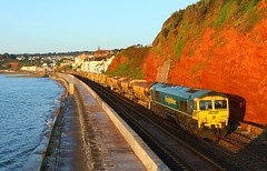 66533 Dawlish (Robert Sherwood) Tags: half an hour after sunrise 66533 66522 top n tail 6x04 0620 totnes fairwater yard track renewal train along sea wall dawlish thursday 22nd august 2019