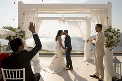 Santorini – the perfect choice for a winery wedding (+ the ins and outs of having a winery wedding)