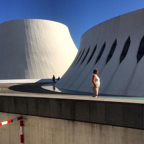 💙 Volcans #niemeyer #architecture #streetphotography #lh_lehavre #lehavre #uneteauhavre #uneteauhavre2019 #tw