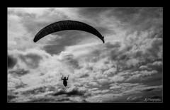 Puy de Dôme-Auvergne (JG Photographies) Tags: france french auvergne puydedôme parapente noiretblanc jgphotographies paysage nature nuage canon7dmarkii