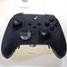 Schwarzer Xbox Elite Wireless Controller Series 2 von Microsoft