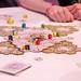 Multilinguales Brettspiel : Chocobo Party Up! aus dem Videospiel Final Fantasy, gestaltet von Toshiyuki Itahana