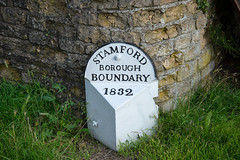 Boundary Marker.jpg (uplandswolf) Tags: stamford lincolnshire lincs