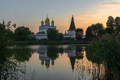 Подмосковные вечера (gubanov77) Tags: church monastery temple russia teryaevo dusk sunset evening reflection goldenhour water landscape village orthodox