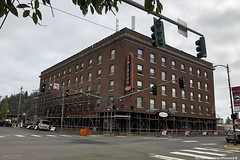 IMG_4892 (W) (CIAphotos) Tags: iphonography hoquiam emersonmanor construction scaffolding brickbuilding simpsonave emersonhotel