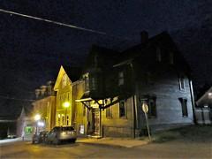House with oriel over the door, night on Cornwallis Street, Lunenburg, Nova Scotia (Paul McClure DC) Tags: lunenburg novascotia canada maritimes june2018 architecture historic