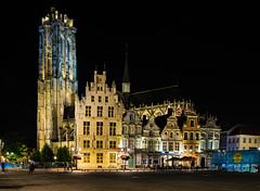 St. Romboutstoren Mechelen (ost_jean) Tags: longexposure mechelen nightphotography nikon d5300 tamron sp af 1750mm f28 xr di ii vc ld ostjean