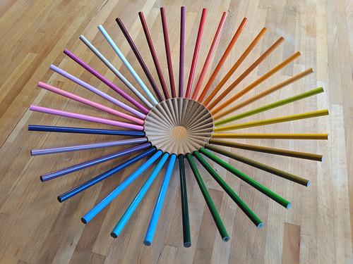 3D-printed pencil crayon fruit bowl
