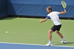 norland d. cruz photography: french tennis player richard gasquet has his eyes on the ball during practice day at the us open 2019 in new york (norlandcruz74) Tags: 70300mm telefoto telephoto zoom lens nikkor d7200 dx gear nikon summer august 2019 usopen iso high highiso speed shutter shutterbug photographer american filipino pinoy norlandcruz majors major grandslam tournament event sports sport mens singles tour atp player tennis france french gasquet richard