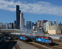 METX 199- The dying face of Metra (Khang Lu) Tags: metra chicago emd f40phm2 roosevelt road il illinois skyline metx train locomotive railroad commuter meet