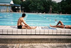 (埃德溫 ourutopia) Tags: film fuji superia xtra superiaxtra400 canon primaas1 canonprimaas1 filmphotography analog analogphotography guy man people swimming pool swimmingpool summer フィルム 克強游泳池 克強公園游泳池