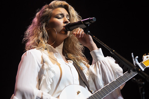 Tori Kelly fan photo