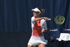 norland d. cruz photography: russian tennis player anna kalinskaya swings a forehand during early qualifying round at the us open 2019 in new york (norlandcruz74) Tags: forehand annakalinskaya summer ny newyork sports sport lens major nikon photographer zoom gear august flushingmeadows queens tournament event american filipino nikkor 70300mm pinoy dx usopen telefoto grandslam 2019 d7200 norlandcruz russia womens player tennis russian singles wta motion beautiful beauty speed high action iso shutter shutterbug gorgeous