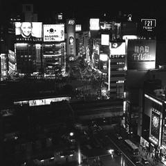 Gigi in Tokyo (Film3688) Tags: monochrome ilforddelta shibuya japan tokyo analog blackandwhite iso3200 ilford film hasselblad500cm hasselblad zeiss80mm carlzeiss 120mm 6x6 mediumformat