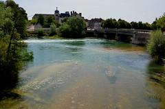 L'Aube à Arcis-sur-Aube (RarOiseau) Tags: aube arcissuraube ville pont rivière laube église été