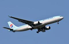 Korean Air, HL7702, Airbus A330-323X at NRT (tokyo70) Tags: japan travel tour koreanair a330