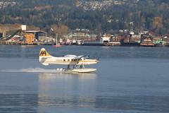 IMG_4865.jpg (Tomek Mrugalski) Tags: british seaplane vancouver canada airplane bay columbia britishcolumbia