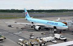 Korean Air, HL7552, Airbus A330-223 at NRT (tokyo70) Tags: japan travel tour koreanair a330