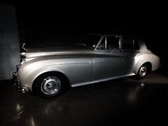 Like Floating on a Silver Cloud (Steve Taylor (Photography)) Tags: rollsroyce silvercloudii jamesbond rogermoore aviewtokill museum dark silver uk gb england greatbritain unitedkingdom london shiny car automobile bondinmotionexhibition londonfilmmuseum flickrsbest