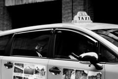 Passengers (alex in bkny) Tags: taipei taiwan blackandwhite bw iso4000 xt20 fujifilm taxi 55mm f45 1220sec