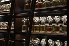 Fueguia 1833 Milano (just.Luc) Tags: parfum perfume bottles flesjes flacons échelle ladder italy milaan milan milano mailand lombardije lombardei lombardy lombardie lombardia europa europe italia italien italie italië