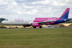 G-WUKI Airbus A321 231SL Wizz Air UK - Luton Airport (benallsup) Tags: airline airliner passenger jet gwuki airbus a321 231sl wizz air uk luton airport eggw ltn