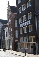 Wijnliefhebbers (Maurits van den Toorn) Tags: huis pakhuis warehouse reclame advert lettering typography bordeaux cityscape cityview dordrecht