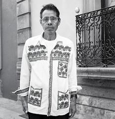 Camisa de la región mixe (Marcos Núñez Núñez) Tags: national cultural camisa blackandwhite bw blancoynegro streetphotography street streetphotographer streetportrait portrait calle oaxaca méxico mx film filmphotography rolleiflex rolleiflex35f