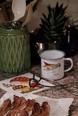 ベーコン (C. Neil Scott) Tags: mushroom kitchen bacon southcarolina myhero greasy psilocybin 225 ftd columbiasc ベーコン flyingotter pineapple tongs kistch flyingmeerkat