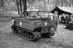 Santa Fe event - 2019 (Ronald_H) Tags: santa fe event black white film jch streetpan 400 2019 overloon war museum wwii tracked military vehicle