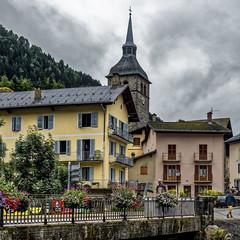 Beaufort (Lucille-bs) Tags: europe france auvergnerhônealpes savoie beaufort 500x500 paysage église architecture couleurs habitation pont fleur