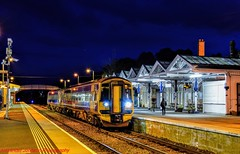 158712 @ Dingwall (A J transport) Tags: class158 scotland scotrail saltirelivery 158712 dmu diesel railway trains track dingwall farnorthline express nikkon d5300 dlsr night dark