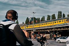 Rush hour (Jontsu) Tags: rush traffic berlin street streetphotography germany deutschland fuji fujifilm xt3 35mm people europe