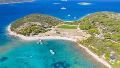 Luftbild vom nord-west-lichen Teil der Insel Budikovac in Kroatien