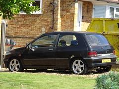 1991 Renault Clio 1.8 16v (Neil's classics) Tags: 1991 renault clio 18 16v abandoned car