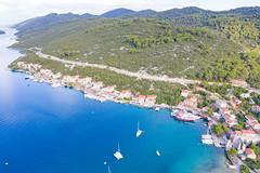 Blick auf den Hafen Polace auf Mljet, Kroatien