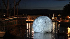 Luke Jerram's moon, Bristol Docks (Benn Gunn Baker) Tags: benn gunn baker canon power shot 550d t2i bristol luke jerram docks waterfront moon art balloon the mathew