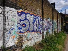 Grafitti (dick_pountain) Tags: london regentscanal wall grafitti bricks