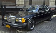 1982 Mercedes-Benz 300CD Turbodiesel (vetaturfumare - thanks for 3 MILLION views!!!) Tags: carpark carparknyc brooklyn industrycity mercedes mercedesbenz 300cdt 300cd turbodiesel amg alloys alufelgen black schwartz cobblestones c123 w123