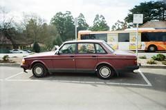 1992 Volvo 340 (photo 3) (Matthew Paul Argall) Tags: kodakkb10 fixedfocus focusfree 35mmfilm kodakultramax400 kodak400 ultramax 400isofilm car vehicle automobile transportation volvo340