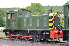 D2205 (1) (ANDY'S UK TRANSPORT PAGE) Tags: trains rowsley peakrail