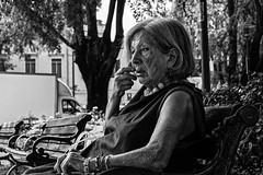 """""""La vida no es la que uno vivió, sino la que uno recuerda y cómo la recuerda para contarla."""" Gabriel García Márquez (Massimiliano.R) Tags: blackandwhite blackandwhitephotography bw monocromo monochrome streetphotography street streetlife travel nature landscape"""