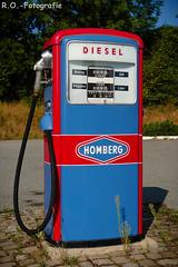 Alte Tanksäule / old petrol pump (R.O. - Fotografie) Tags: alt tanksäule old petrol pump freilichtmuseum detmold rofotografie outside outdoor diesel panasonic lumix dmcgx8 dmc gx8 gx 8 14140mm