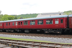 9404 (2) (ANDY'S UK TRANSPORT PAGE) Tags: trains rowsley peakrail coaches