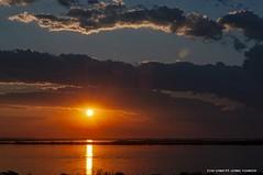 Sol Poente (Ivan R.B.M.) Tags: solpoente lagoguaíba lagodeáguadoce portoalegre riograndedosul brasil cores